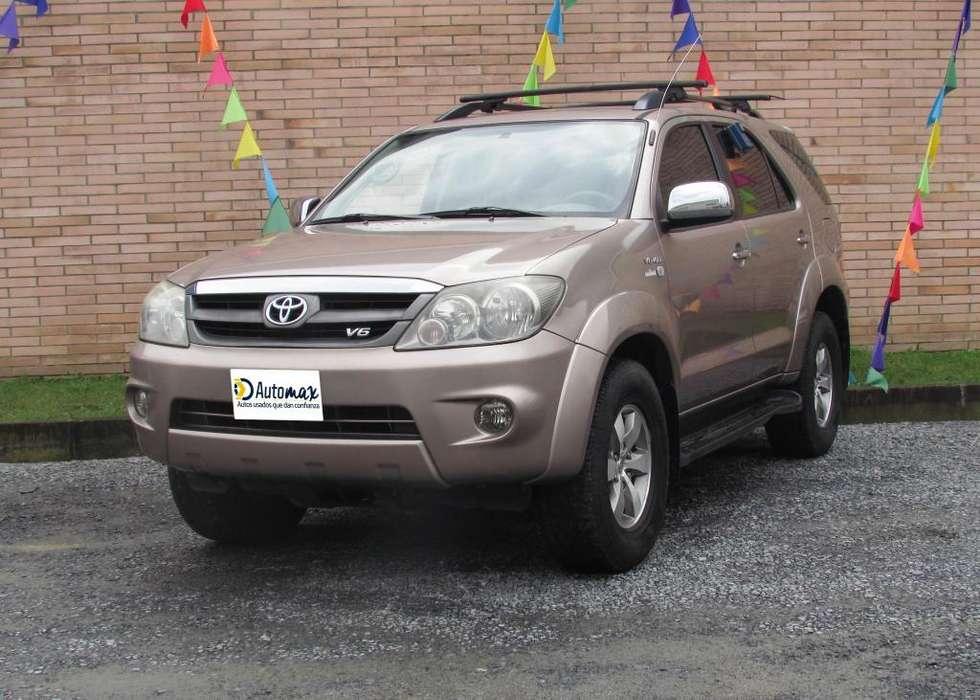 Toyota Fortuner 2009 - 172358 km