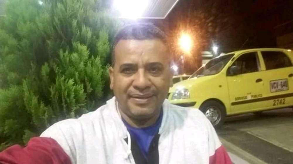 Me Ofresco Como Conductor de Taxi con Ex