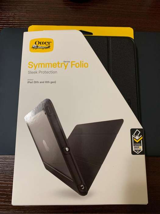 SE VENDE COVER PARA TABLET iPad 5th and 6th Gen