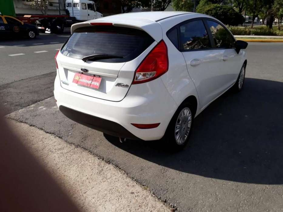 Ford Fiesta Kinetic 2015 - 12000 km