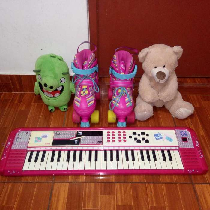 patines, piano barbie y peluches combo