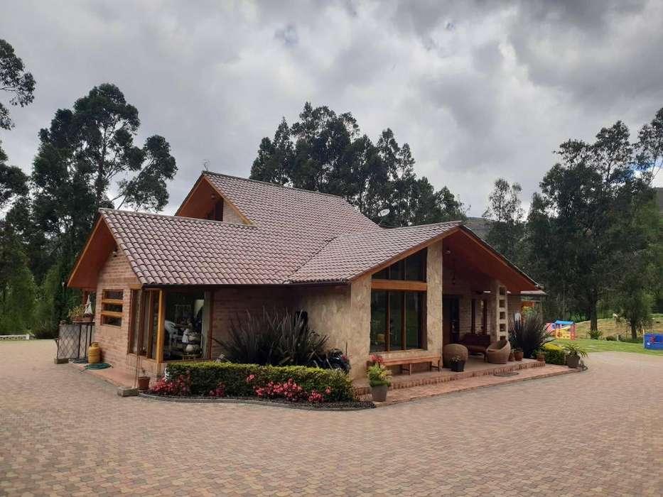 Quinta / Casa de lujo de Venta Chordeleg con piscina