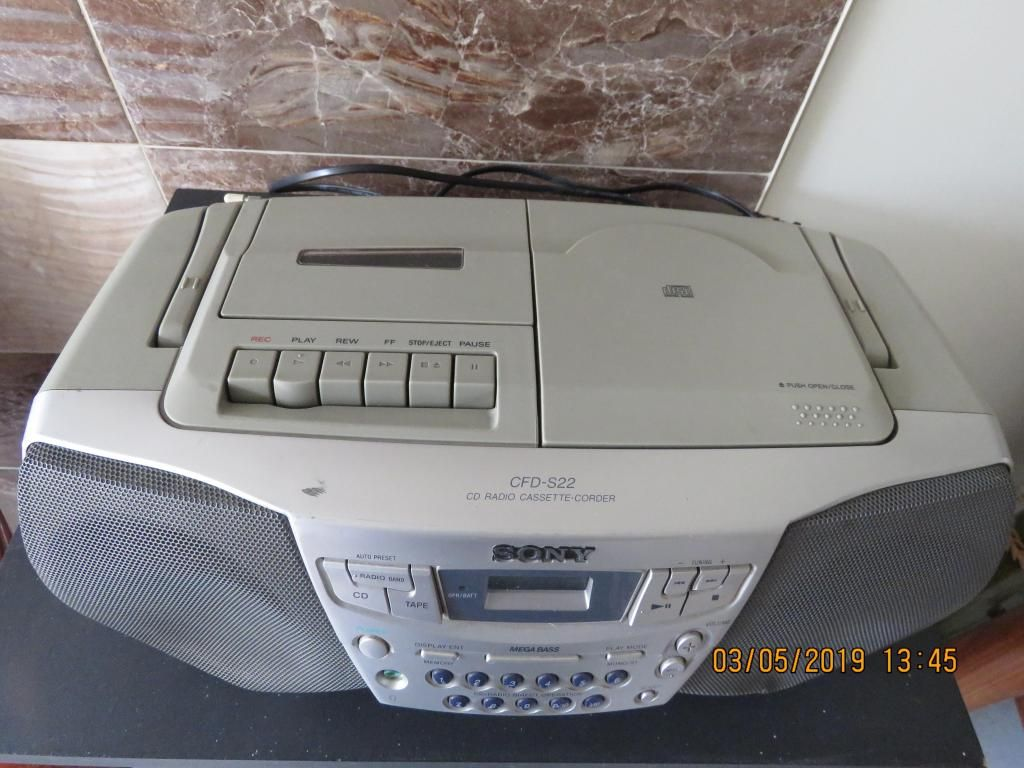 VENDO Grabadora SONY  CDs y Cassettera Ref. CFD-S22