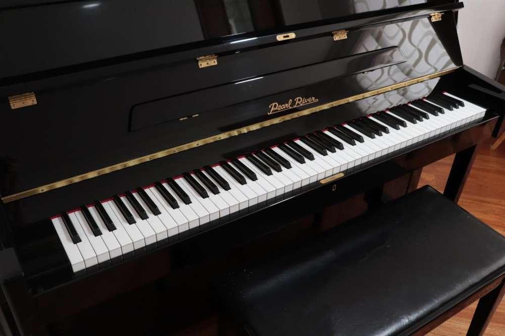 Piano Acústico Pearl River UP108M