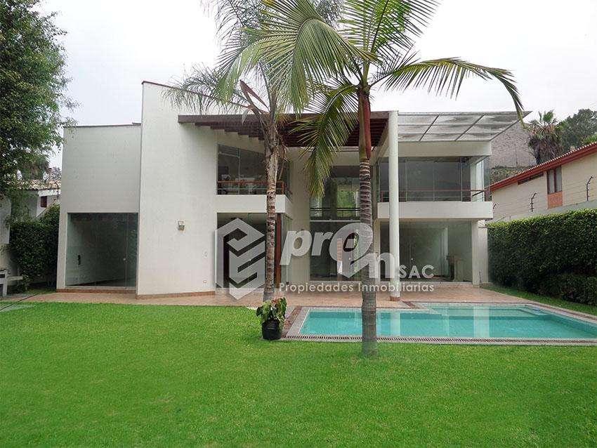 Casa · 450m² · 4 Dormitorios · 4 Estacionamientos