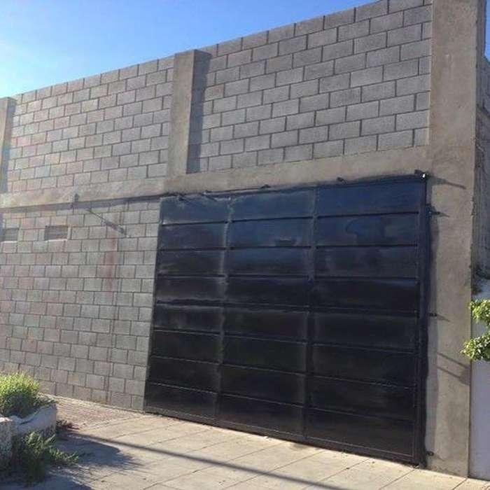 Alquilo Deposito/Galpón en Avellaneda