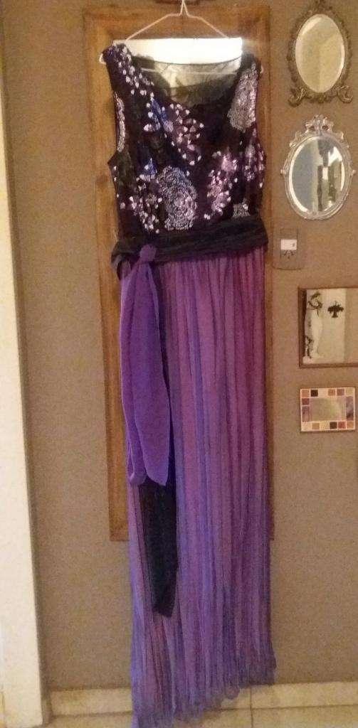 032f1681e Vestido de fiesta bordado, de falda plisada de gasa con casaca de ...