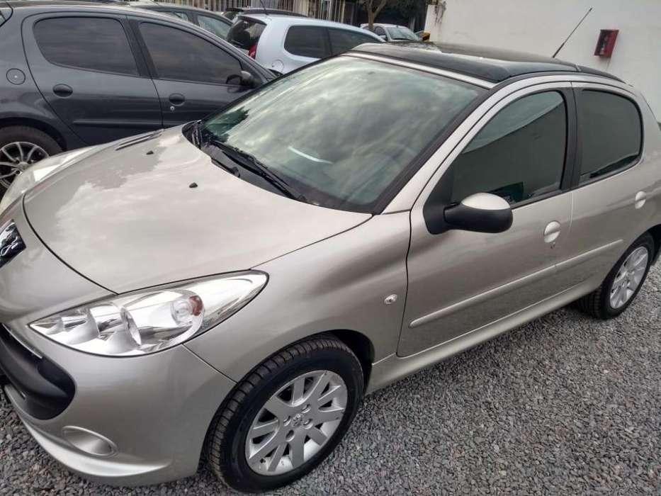 Peugeot 207 Compact 2011 - 100000 km