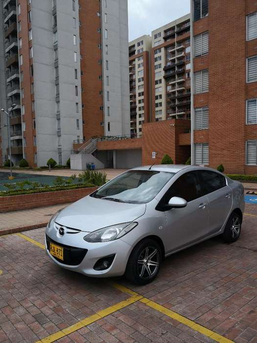 Mazda 2 2011 - 87000 km