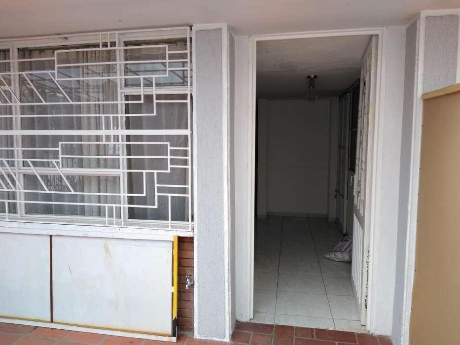 Comparto O Sedo Apartamento Bien Ubicado