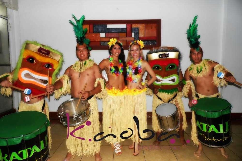 show luau hawaiano tikis <strong>bailarina</strong>s anfitriones show hora loca batucada percusion malabaristas de fuego