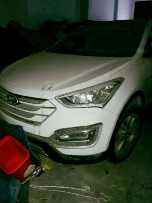 Hyundai Santa Fe 2013 - 25000 km