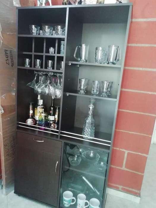 Licorera Bar de Madera Fina