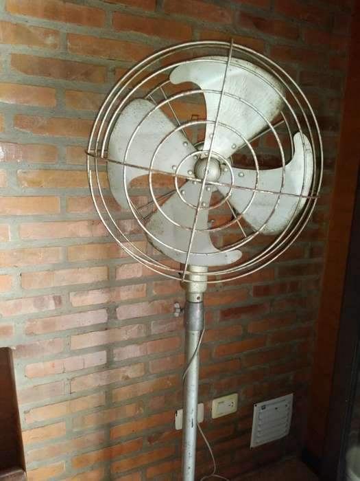 <strong>ventilador</strong> de Pie Antiguo