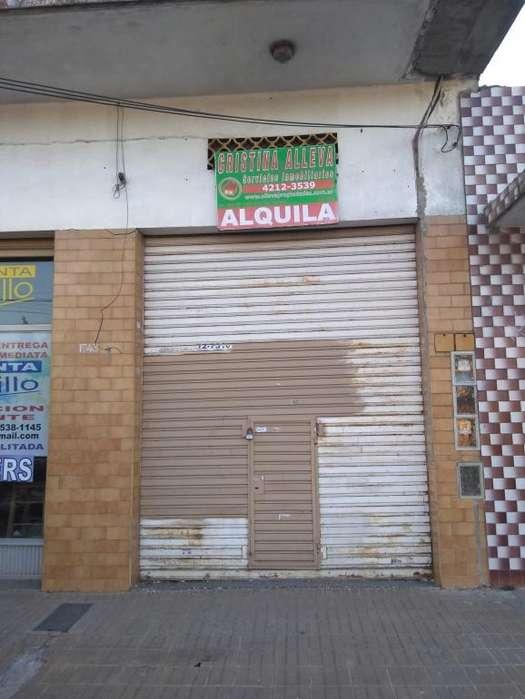 Alquiler Local Av. 844 Nº 1743 entre 888 y 887 San Fco. Solano.