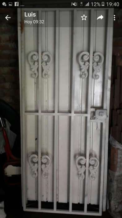 Puerta con Reja
