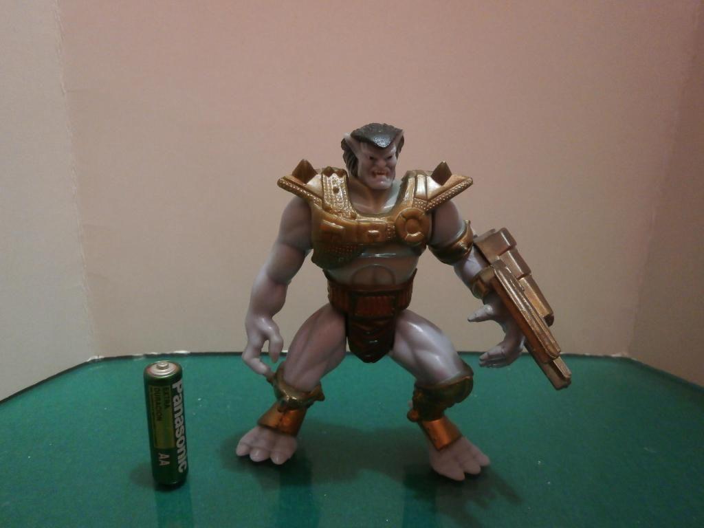 Figura Gárgolas Battle Goliath KO