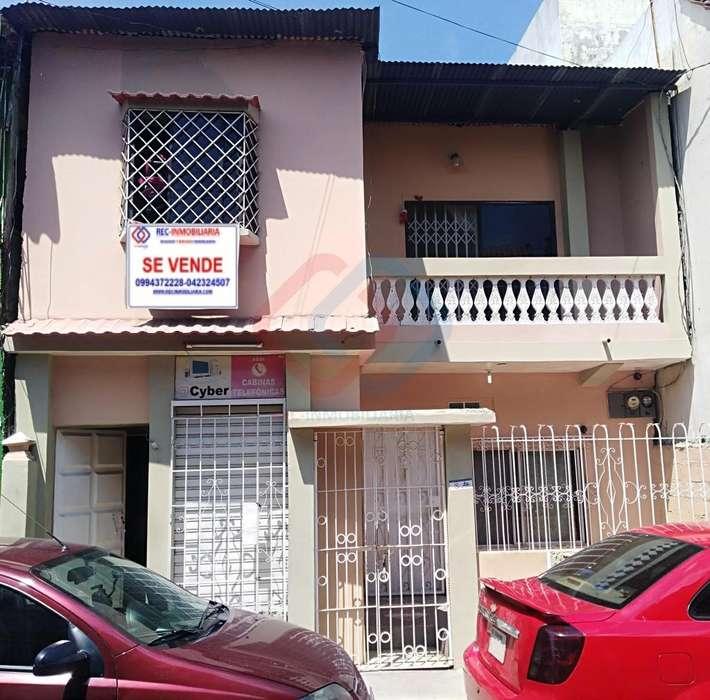 Cod# 140 Venta de Casa al Sur, Cerca de Santa Monica, Floresta, 7 Lagos, Los Esteros.