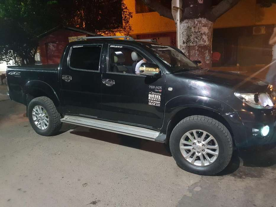 Toyota Hilux 2009 - 142000 km