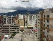 Venta hermoso Departamento con Vista a la <strong>ciudad</strong> en Bosmediano, Centro Norte de Quito