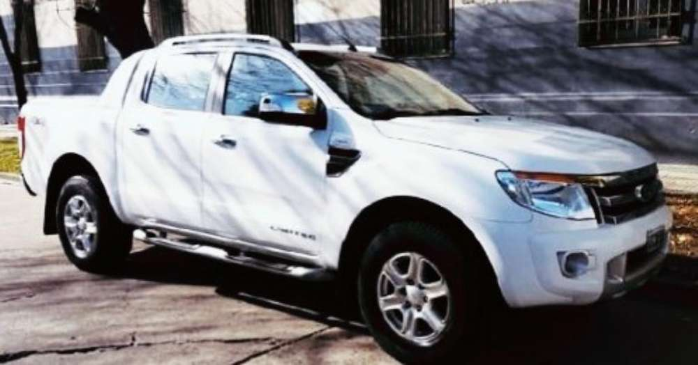 Toyota Hilux 2010 - 200000 km