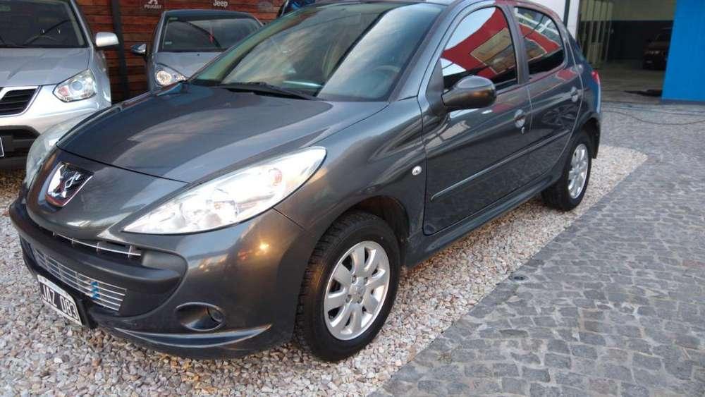 Peugeot 207 2010 - 130000 km
