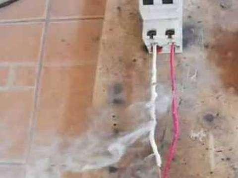 ELECTRICISTA A DOMICILIO AQP. REPARACIONES FUGAS DE CORRIENTE, CORTOCIRCUITOS CASAS Y OTROS. INSTALACIONES CEL.962730439