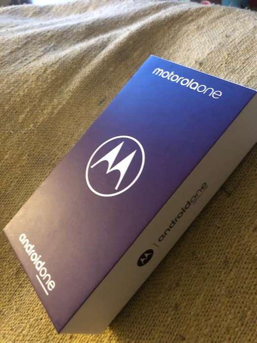 Motorola One COMPLETAMENTE NUEVO