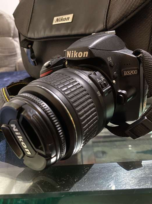 NIKON D3200 Lente 18-55mm - Excelente Estado