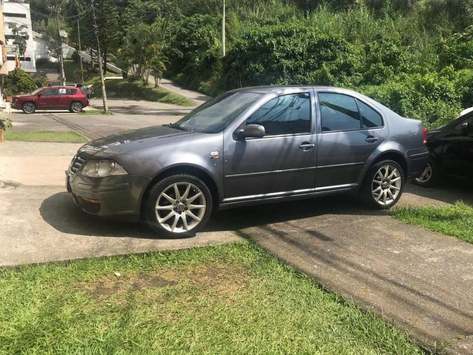 Volkswagen Jetta 2009 - 74000 km