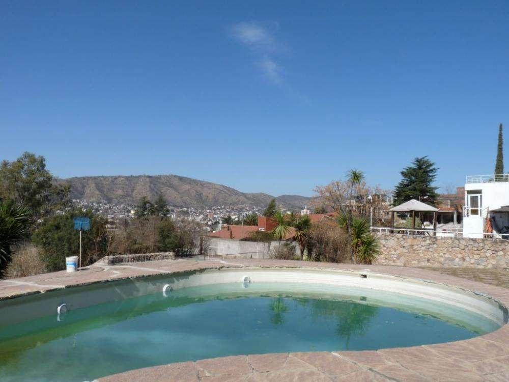ul04 - Departamento para 2 a 6 personas con pileta y cochera en Villa Carlos Paz