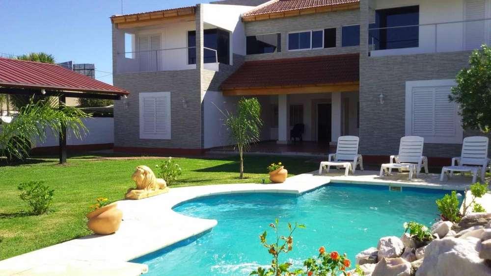 tl23 - Chalet para 6 a 16 personas con pileta y cochera en Villa Carlos Paz