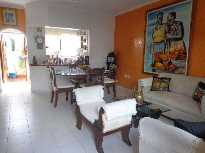 Casa en barrio Crespo