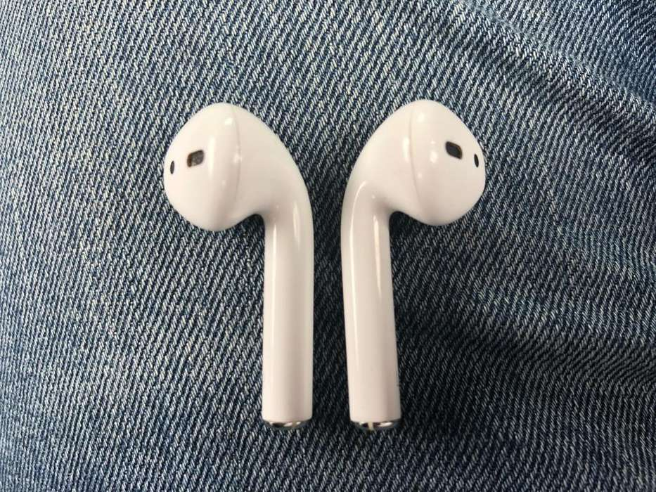 Airpods - Apple