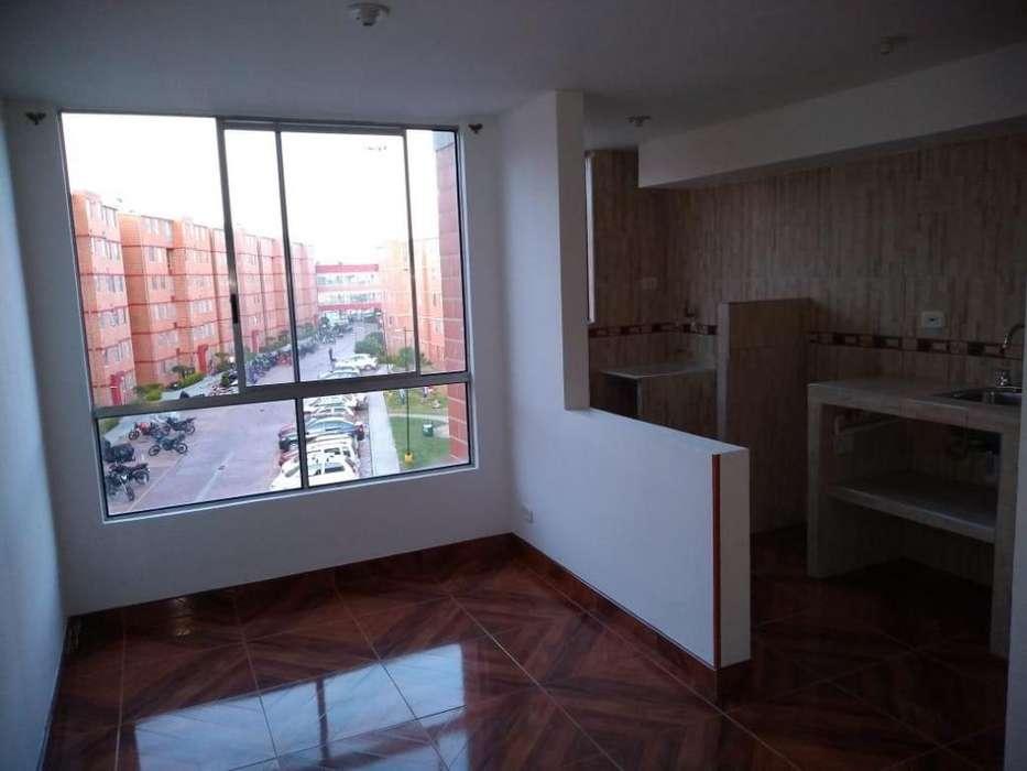 Se vende apartamento en Ciudad Verde, Soacha, piso 4, excelentes terminados, conjunto Girasol. Cod.4674295
