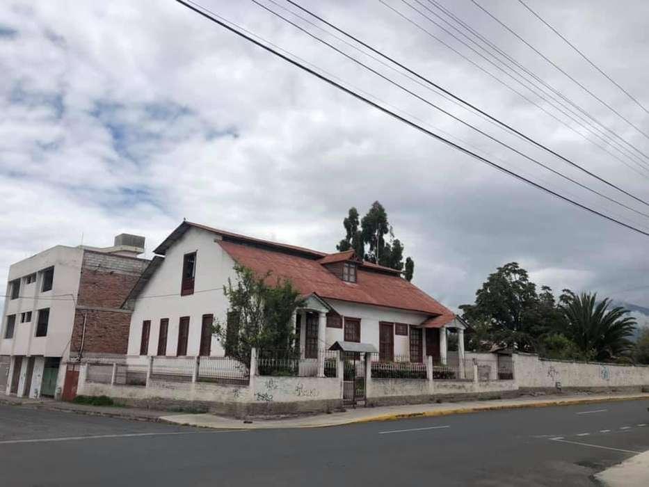 Casa Patrimonial de 400 m2 de Venta cerca de Villa María