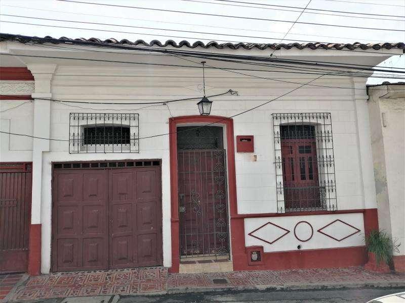Casa En Venta En Cali San Antonio Cod. VBINH-709