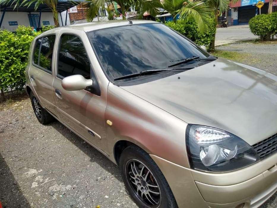 Renault Clio  2006 - 120000 km