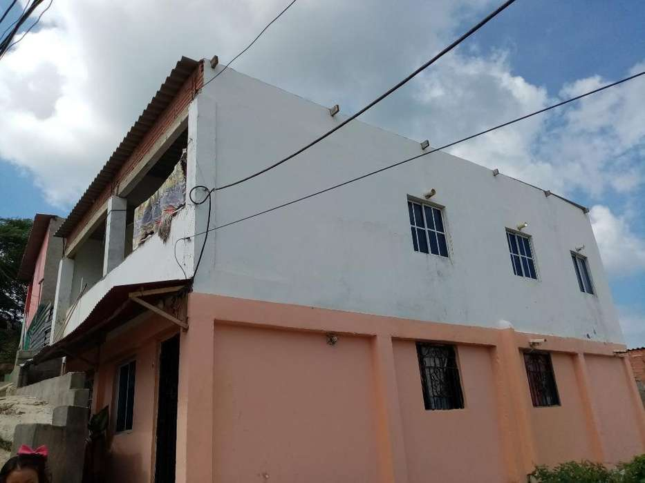 Vendo Casa Com Dos Apartamentos Incluido