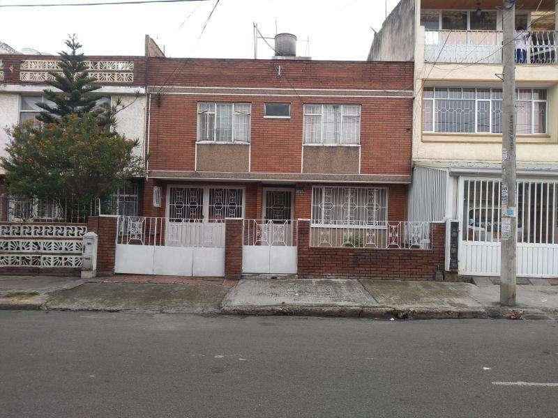 Casa En Venta En Bogota 20 De Julio Cod. VBINP22116