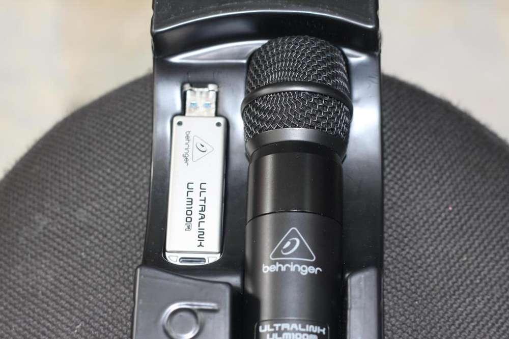 Micrófono Beringher ULM 100