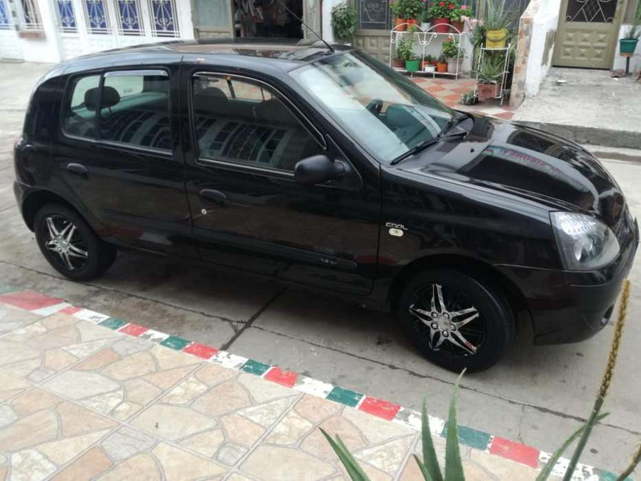 Renault Clio  2007 - 176000 km