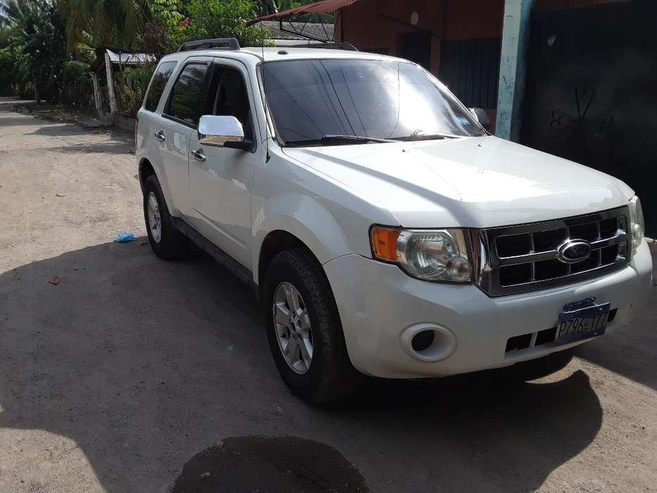 Ford Escape 2011 - 136000 km