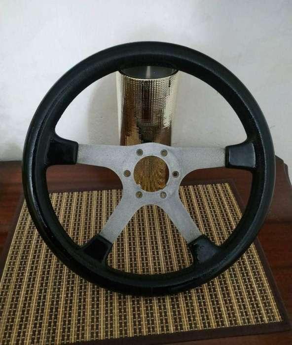 Timon para auto deportivo clasico Vendo