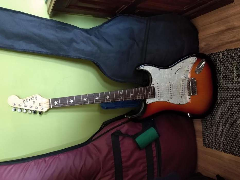 Guitarra Acord Stratocaster