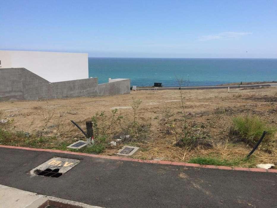 Terreno en venta en Marina Blue