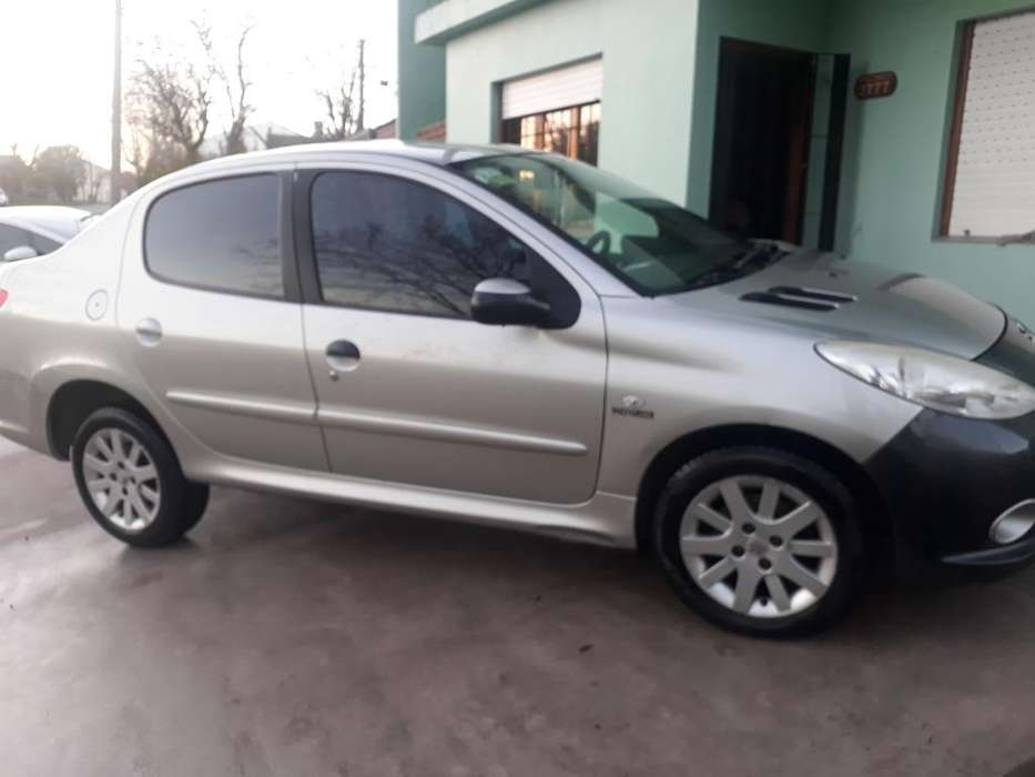 <strong>peugeot</strong> 207 Compact 2011 - 124000 km