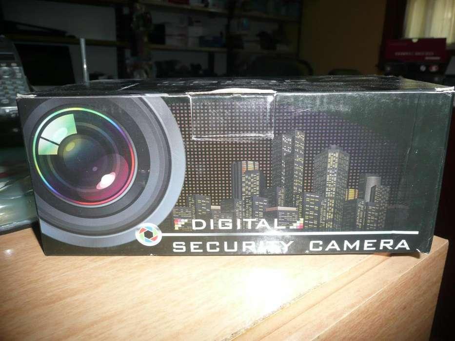 Camara Seguridad Bullet Metálica Cctv 2 Mpx Hd Pal