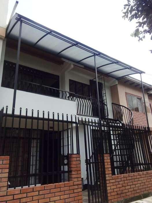 VENDO CASA CHACARITA DE DOS(2) <strong>apartamento</strong>S INDEPENDIENTES