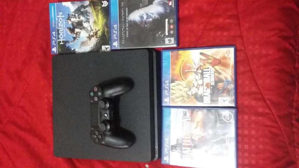 Vendo PS4 Slim 4 juegos